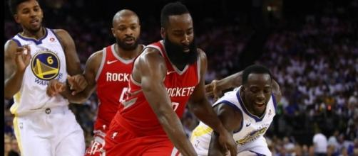 Los Warriors cayeron en casa ante Houston, en una gran noche de James Harden - sportingnews.com