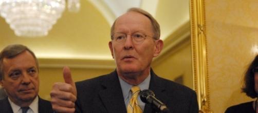 Sen. Lamar Alexander (R-TN) in 2011. / [Image by AMSF2011 via Flickr, CC BY 2.0]