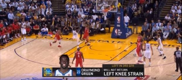 Draymond Green suffered knee sprain during the game against the Rockets. (Image - Protoscope/YouTube)