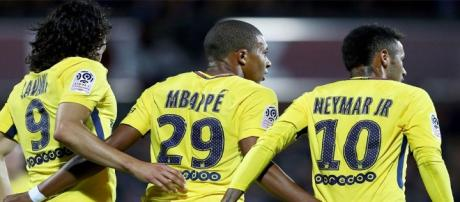 Neymar, Cavani y Mbappé. Foto:Spor Illustrated.