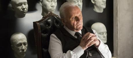 Westworld : Anthony Hopkins médite sur les photos de l'épisode 3 ... - allocine.fr