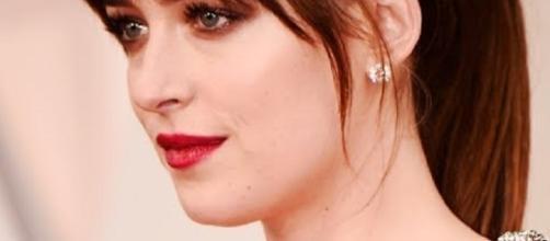 Is Dakota Johnson dating Chris Martin or Jon Hamm? [ Image credit - Mila Dornan | YouTube