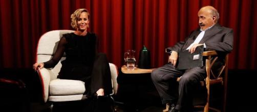 Federica Pellegrini con Maurizio Costanzo durante L'Intervista