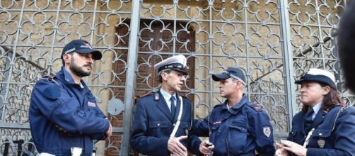 Firenze, cade un pezzo di capitello dalla Basilica di Santa Croce - leggo.it
