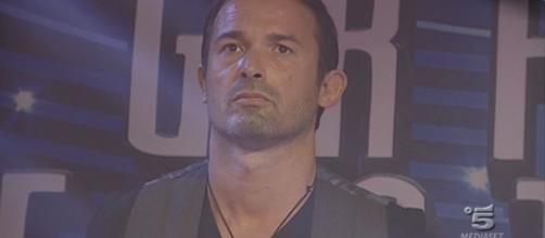 Grande Fratello VIP: Gianluca Impastato accusa Bossari di aver bestemmiato