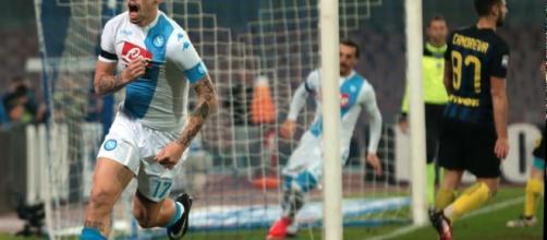 Hamsik esulta dopo un gol contro l'Inter