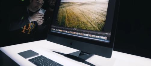 Apple iMac Pro Update: Ten-Core iMac Pro with Intel Xeon shows in Geekbench [ Image credit - TechnoBuffalo/ Youtube Screenshot]
