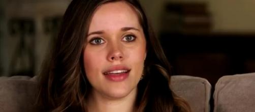 Jessa Duggar criticized for leaving son without shoes outside. [TLC/YouTube screencap]