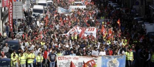 La rue peut-elle renverser la réforme de Macron ? | eurotopics.net - eurotopics.net