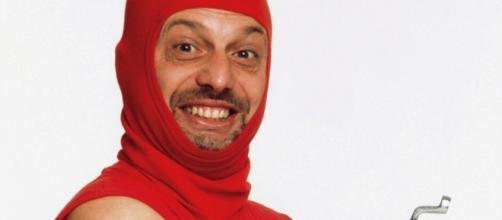 La storia di Marco Della Noce, comico di Zelig costretto a vivere in auto