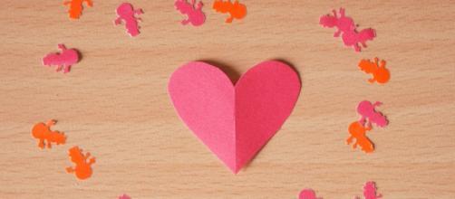Love in paper / Victor U via Flickr