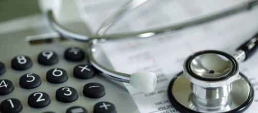 Mudança na lei dos planos de saúde prejudica pessoas idosas
