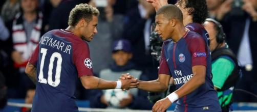 Rapid dribbling, outrageous skill, and cool finishing: Neymar and ... - businessinsider.my