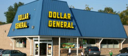 Walmart takes on Dollar General - Wikimedia Commons