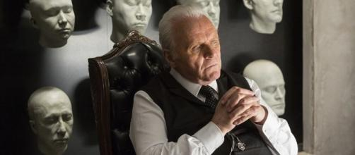 Westworld : Anthony Hopkins médite sur les photos de l'épisode 3 ... - allocine.fr