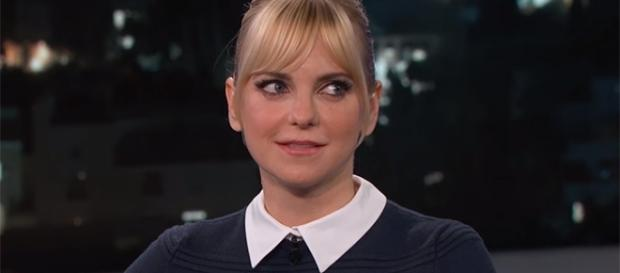 Anna Faris may have found a new man. (Imagde credit - Jimmy Kimmel Live/YouTube)