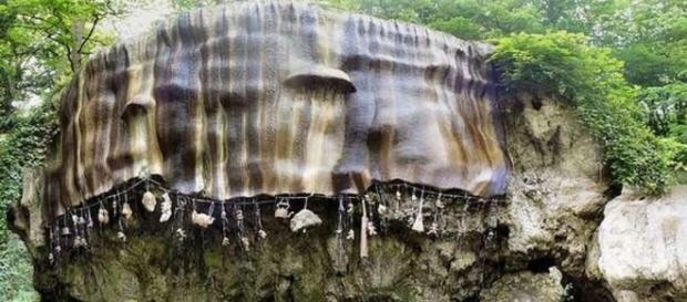 The petryfing well, il pozzo che trasforma in pietra