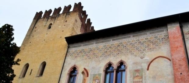 Vescovado di Verona, del cui complesso fa parte la Biblioteca Capitolare