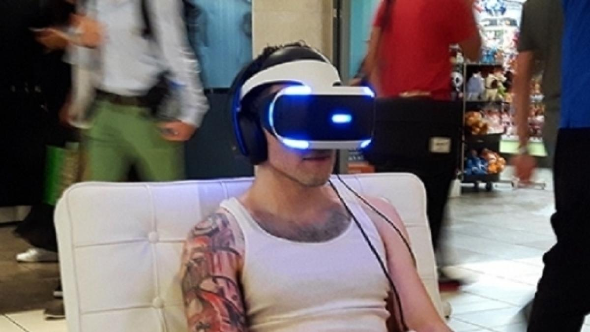 Sony To Release An Upgraded Playstation Vr Headset