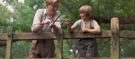 Uplifting New Trailer For GOODBYE CHRISTOPHER ROBIN - Goodbye Christopher Robin | International HD Trailer | Fox Searchlight UK | YouTube