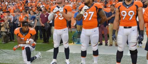 9 powerful photos of the 18 NFL players who protested during the ... - (Image Credit: Usatoday.com/Youtube)