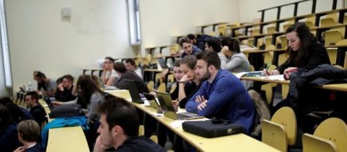 Admission post-bac : 6 000 étudiants attendent toujours une place ... - francetvinfo.fr