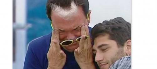 Cristiano Malgioglio in lacrime al GF VIP