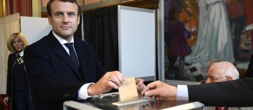 Direct - Emmanuel Macron : «Je mettrai tout mon soin à être digne ... - liberation.fr