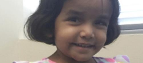 Ela tinha apenas três anos e foi deixada sozinha na rua