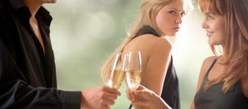 Homens que namoram tendem a chamar mais atenção