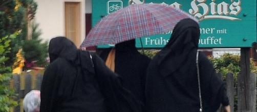Il niqab, tradizionale velo islamico