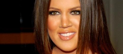 Khloe Kardashian steps out in over-sized hoodie after pregnancy news. (Wikimedia/Toglenn)