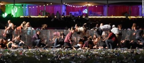 Las Vegas concert victims escape shooter - CNN Mass Shooting as Las Vegas Music Festival