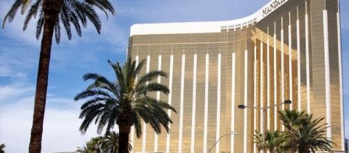 Mandalay Bay Resort and Casino — Wikipédia - wikipedia.org