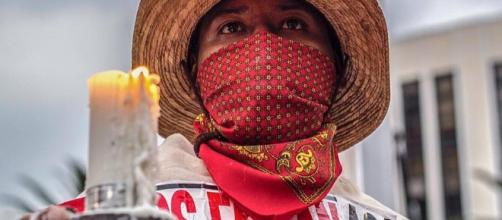 Manifestante durante marcha de los 43. Gerardo Vieyra