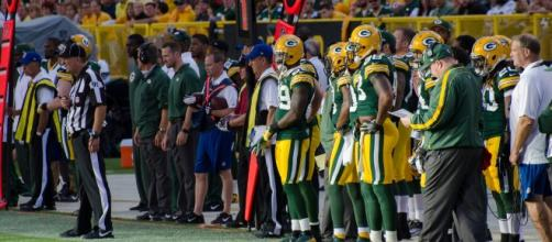 Packers offensive line moves pay off great in win over Bears [Image by Mike Morbeck / Wikimedia Commons]