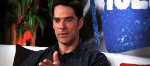Thomas Gibson on 'Criminal Minds' - Image via YouTube/Young Hollywood