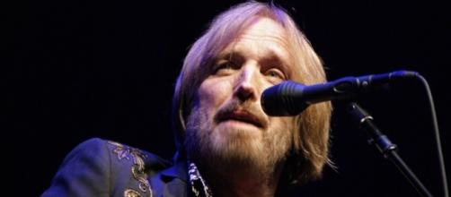 Tom Petty found unresponsive in full cardiac arrest, rushed to UCLA hospital. [Image via musicisentropy/Flickr]