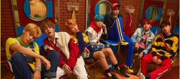 "BTS free group promotional teaser for ""DNA"" (via Big Hit Entertainment)"