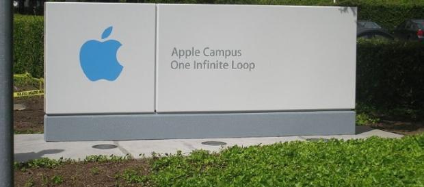 Apple Campus [Image via Nurmib/Wikimedia Creative Commons]