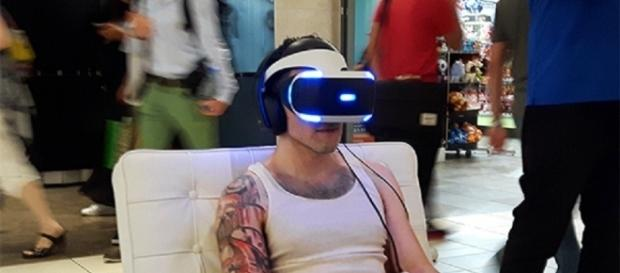 Sony will launch an upgraded PSVR headset/ [Image via Exile on Ontario St, Flickr]