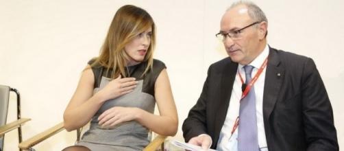 Bankitalia, Maria Elena Boschi accusata di conflitto di interessi anche per aver cercato di convincere Ghizzoni a salvare Banca Etruria