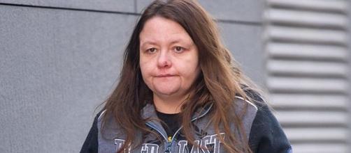 Dawn Davies foi condenada a 15 anos de prisão por abusar sexualment de um menino (Crédito: Twitter/Mail Online)