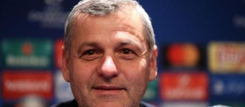 Genesio satisfait après la victoire 5-0 de l'OL à Troyes - madeinfoot.com