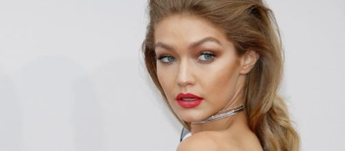 b8785b02154452 GigixMaybelline: arriva la nuova beauty collection firmata Gigi Hadid