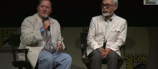 Hayao Miyazaki on Comic-con 2009 with friend John Lasseter. Image credit: Comic-con/Youtube