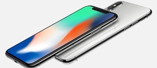 iPhone X, la Apple nei guai: denunciata per copyright