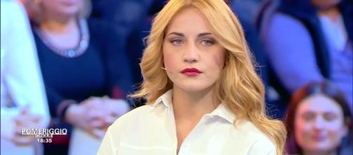 L'ex gieffina Lidia Vella si è rifatta il seno a Pomeriggio 5