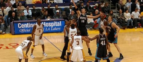 Memphis vs Lakers by Rob from Galapagar (Madrid), Spain/Wikipedia