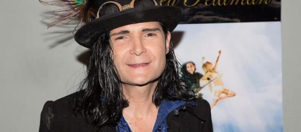 Ex-KInderstar Corey Feldman klagt die Pädophilie in Hollywood an